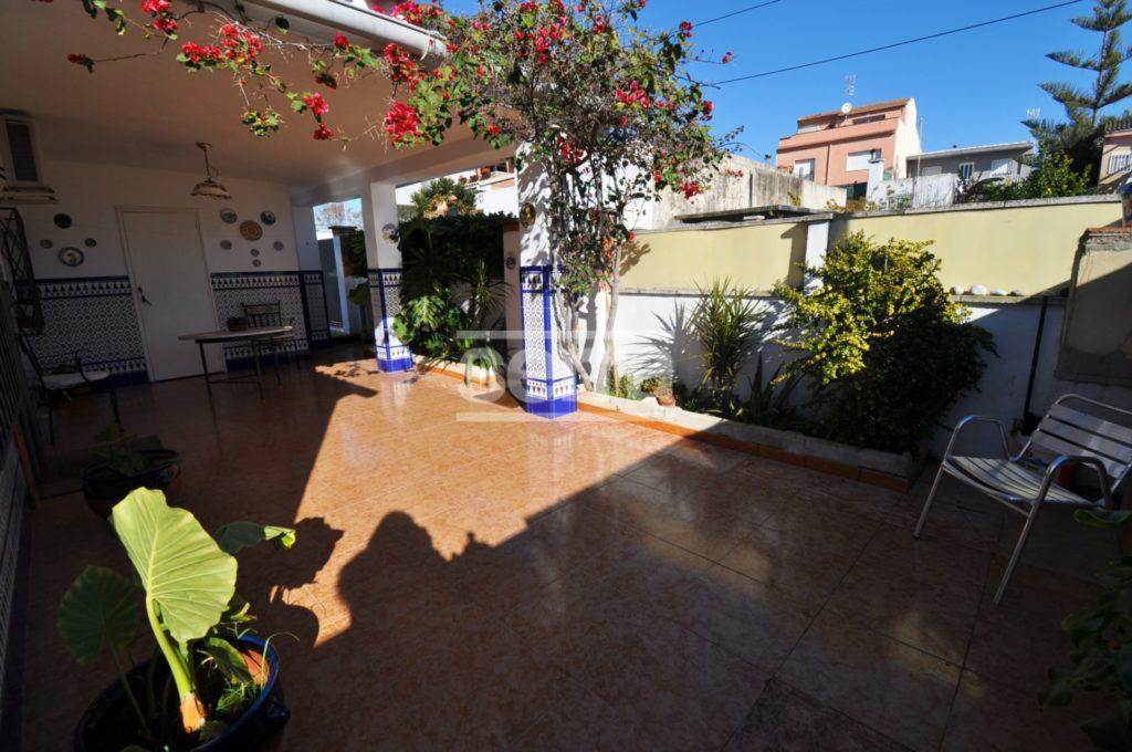 [:es]Casa ideal familias con una espectacular piscina en Vilanova[:ca]Casa ideal famílies amb una espectacular piscina a Vilanova[:]